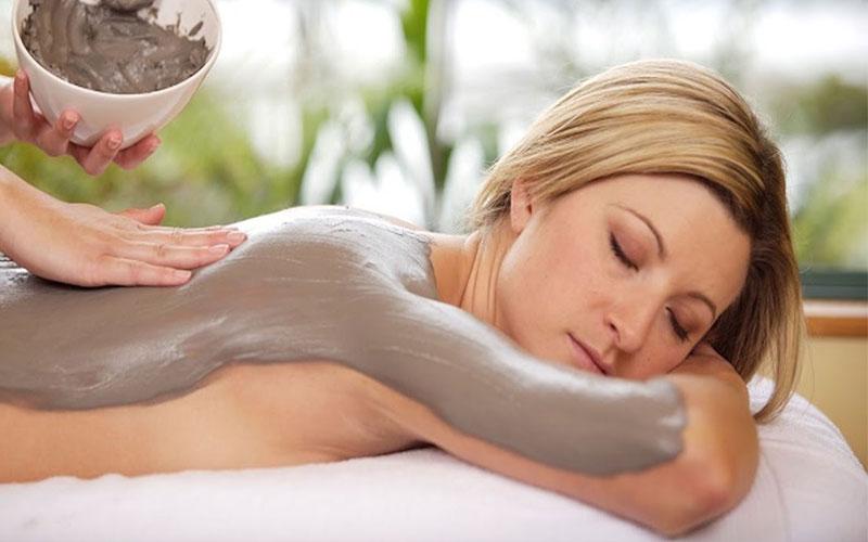 3-massaggi-+-fangoterapia doctor loveskin